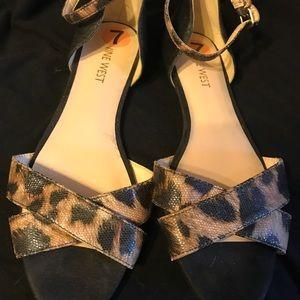 Nine West print sandles size 7